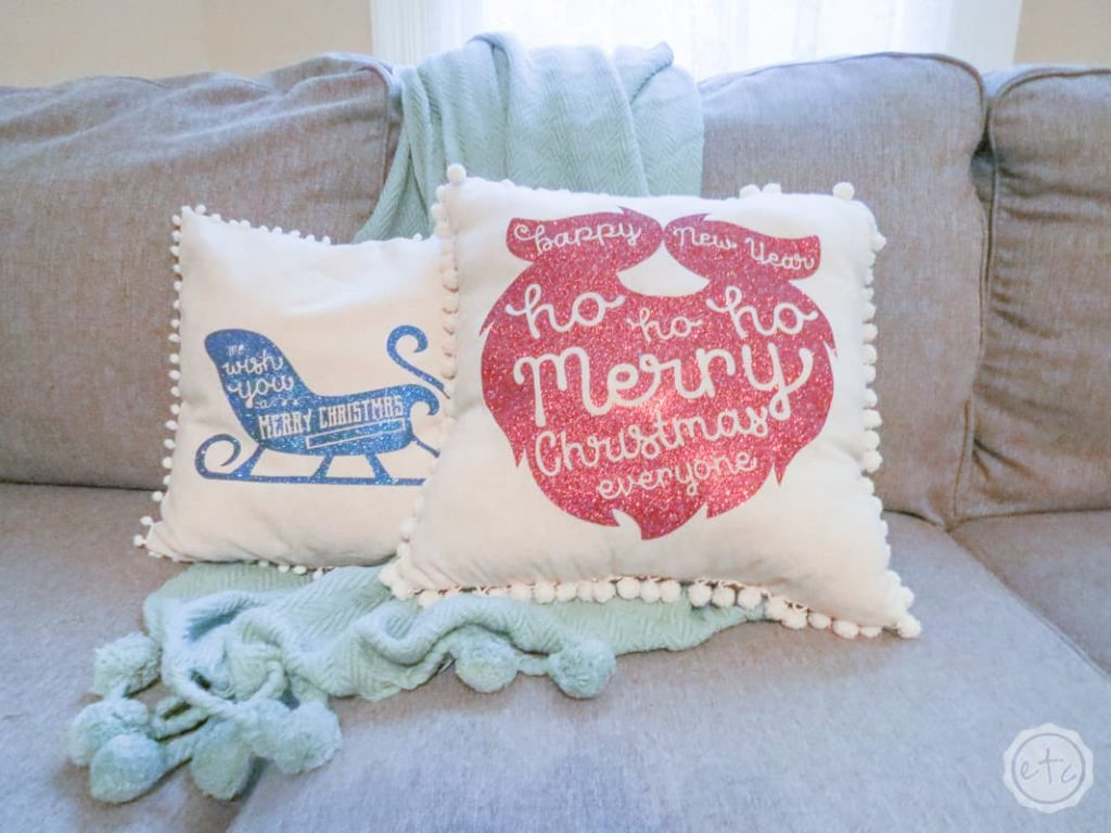 DIY Christmas gift -Holiday-Pillows-happilyeverafter