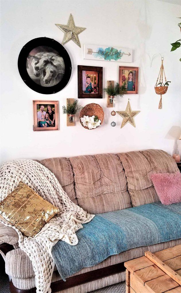 boho christmas decor-livingroom gallery wall